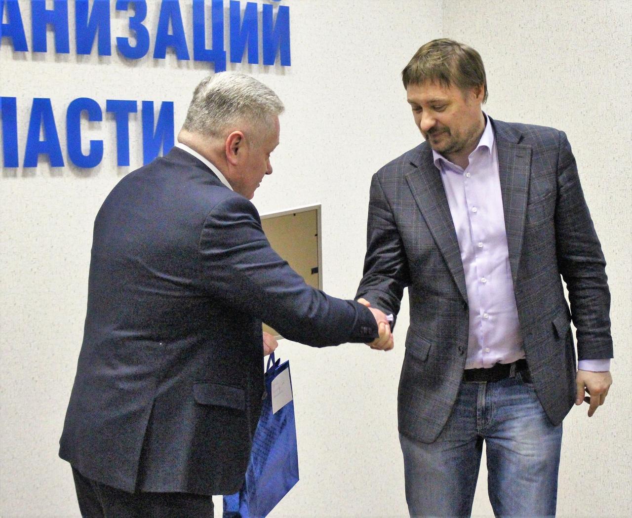 Виктор Красов получил благодарность за благотворительную деятельность во время пандемии