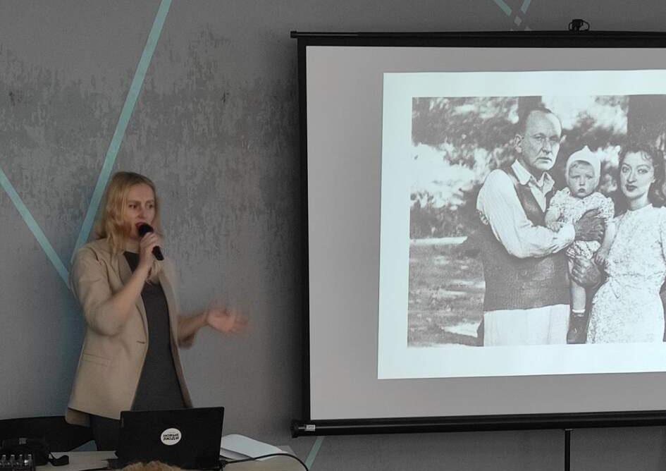 В литературном клубе «Активное долголетие» пенсионерам рассказали о творчестве Александра Вертинского